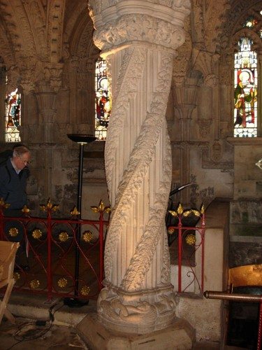 Earthwise chanting in the crypt at Rosslyn Chapel